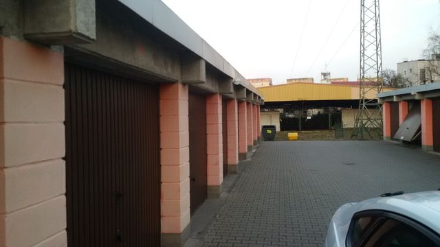 Garaż murowany Os.Zawadzkiego Szczecin wynajmę