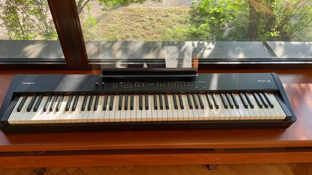 Roland FP 4 BK pianino cyfrowe (czarne)