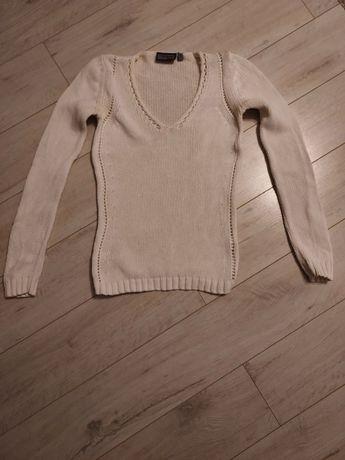 Biały sweter rozmiar s