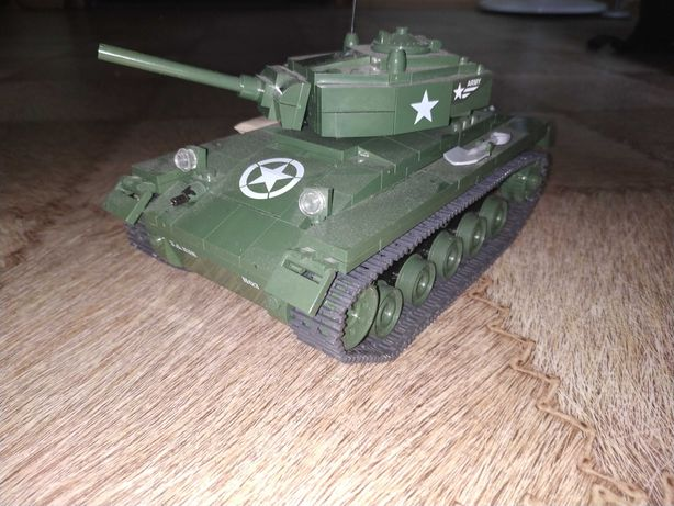 Лего фигурки, мелкие постройки, оружие, предметы, танк.