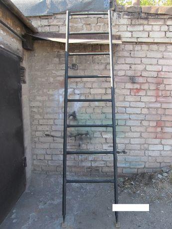 Продам мощную железную лестницу 3 метра.