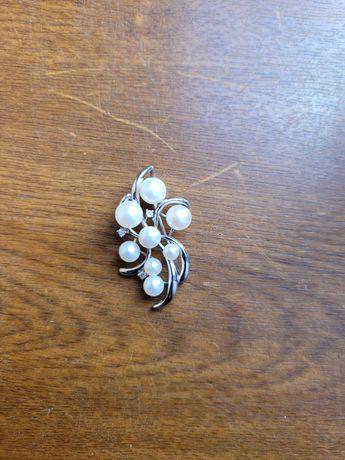 Wisiorek, broszka , zawieszka srebro rodowane z perłami