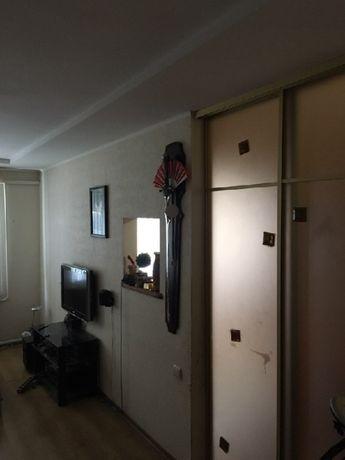 Продам двухкомнатную квартиру в центре города.