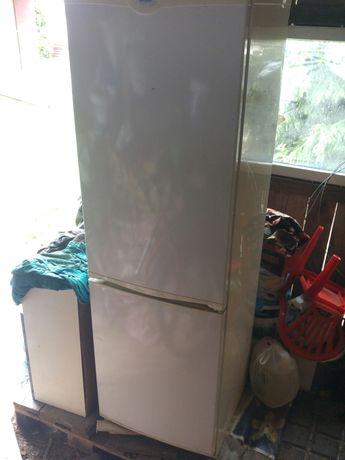 Oddam na złom starą lodówkę Whirlpool. Wystarczy przyjechać.