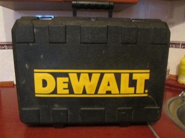DeWalt DW935 пила дисковая аккумуляторная