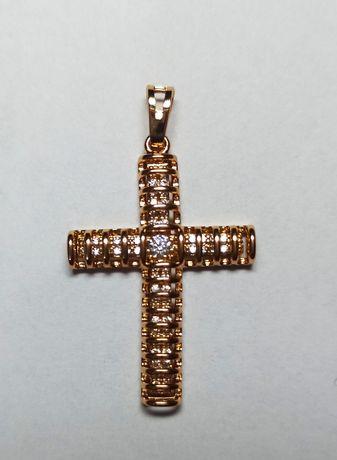 Zawieszka złota krzyż stał chirurgiczna z cyrkoniami