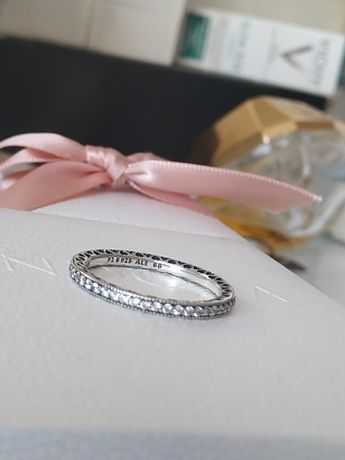 Pandora pierścionek obrączka