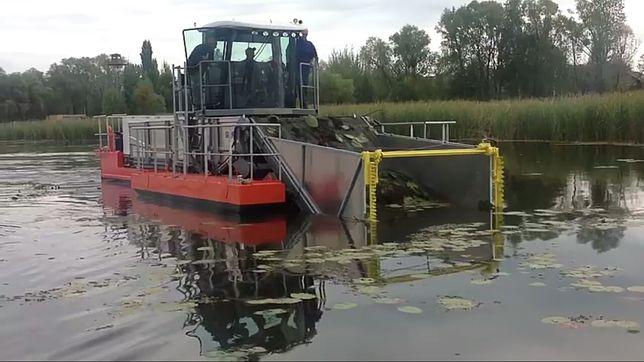 Водний комбайн для очищення водойм UDT-110M