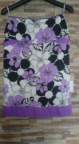 Spódnica w kwiaty, rozm. 38