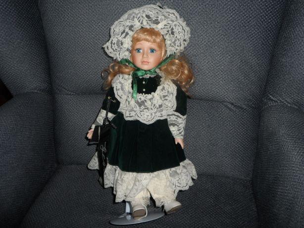śliczna lalka ceramiczna porcelanowa