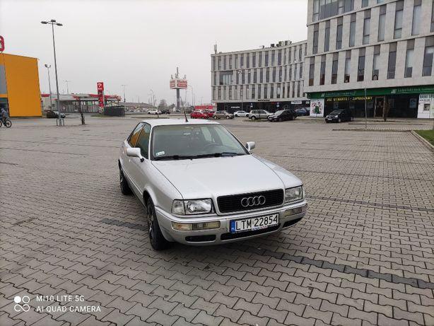 samochod osobowy