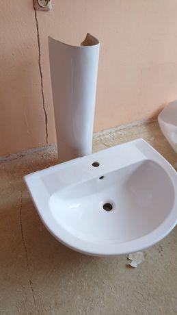 Umywalka plus podstument