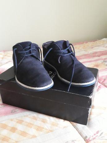 Vendo sapatos clássicos rapaz (com alguma urgência)