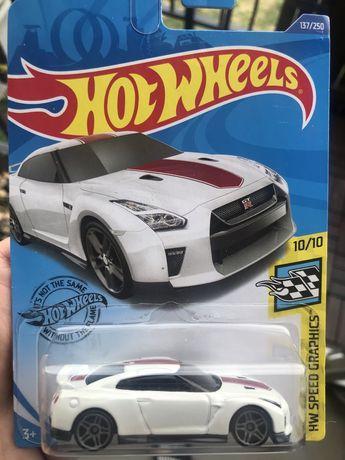 Hot wheels Nissan GTR resorak samochodzik
