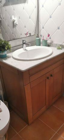 Vendo móvel em cerejeira com lavatório sem torneira