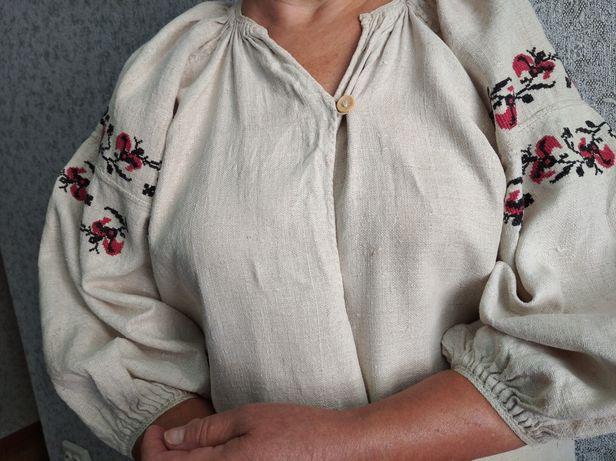 Вишиванка жіноча.Вишита українська жіноча сорочка.На довжина 110 см.