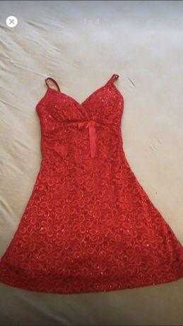 Sukienka Vivi London r. S czerwona