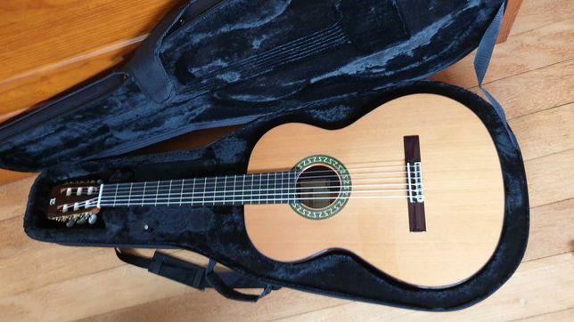 Guitarra Alhambra 5P + case Gator viola clássica acústica nylon estojo