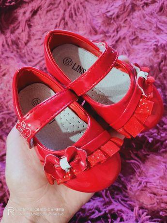 Продам туфельки для принцессы, 20р(12см стелька)