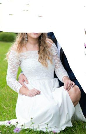 Sukienka ślubna z rozcięciem