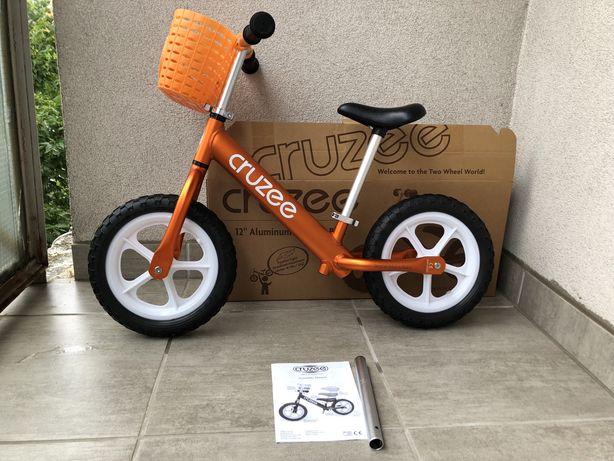 Rezerwacja - Rowerek biegowy Cruzee 12 pomarańczowy + koszyczek