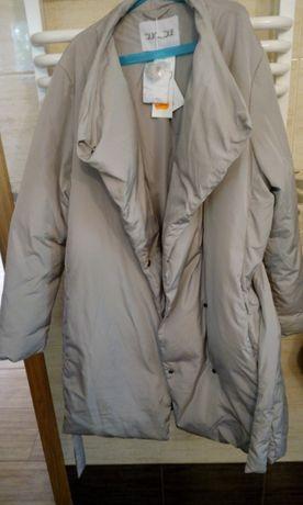 Płaszcz w rozmiarze 40