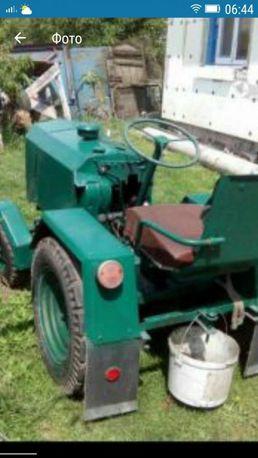 Трактор для перевозкі грузів