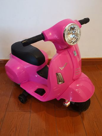 NOVA - Moto elétrica para bebés entre 18 a 36 meses - por estrear!