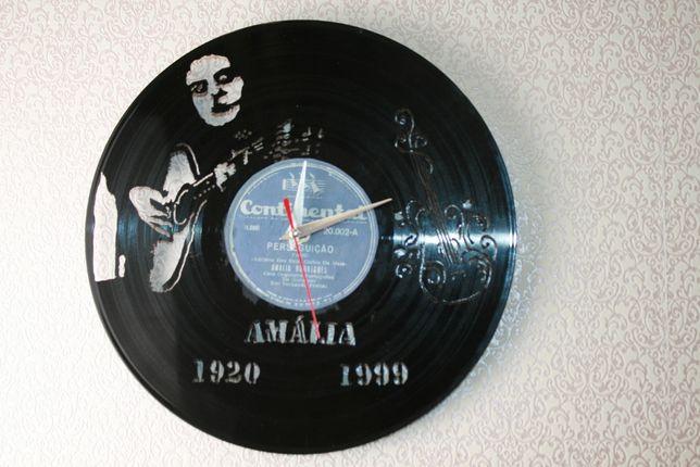 Relógio de Parede em Vinil - AMÁLIA RODRIGUES 1ºDISCO