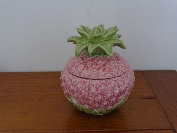 Terrina ananás, cerâmica Bordalo Pinheiro