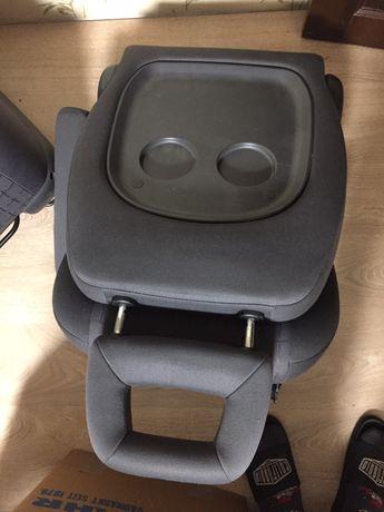 Продам два крісла на фольсваген шаран ,сеат альхамбра,форд гелексі