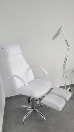 Nowy fotel kosmetyczny z podnóżkami