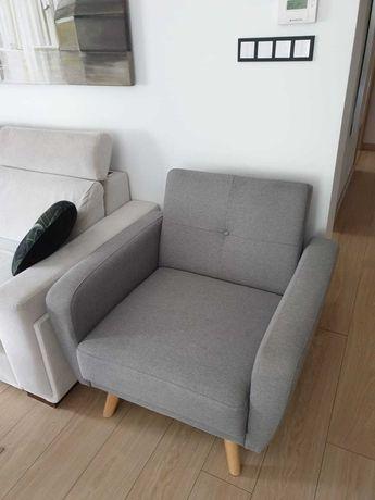 Bardzo wygodny fotel tapicerowany + podnóżek