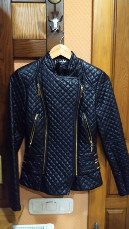 Куртка байкерская из кожзам, черная