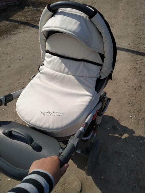 Продам универсальную коляску