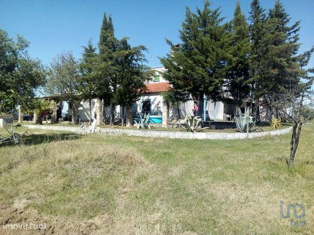 Moradia - 29000 m² - T2