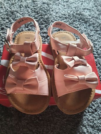Nowe sandałki 5.10.15 rozmiar 24