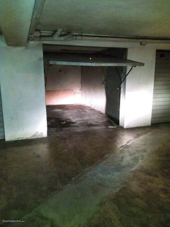Garagem  box em São Vítor Braga