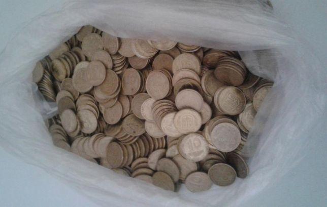 1 кг монет 10 копеек Украины. Есть больше.