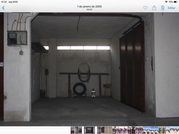 """Alugo garagem fechada no centro da cidade junto à EDP"""""""