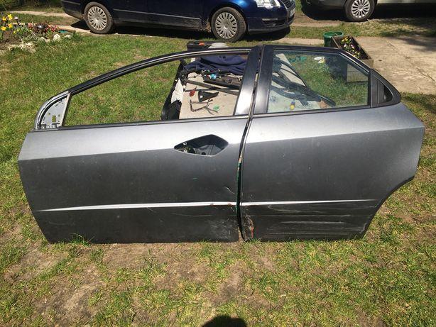 Honda civic ufo lewy przód i tyl drzwi