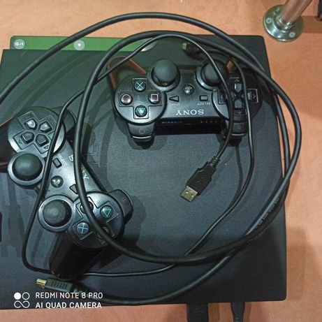 PlayStation 3 slim 500 GB 2 джойстика