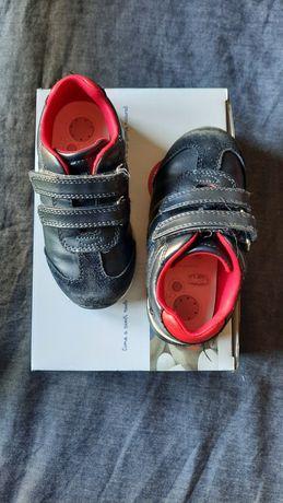 Adidas, Chicco e Pisamonas tamanho 24
