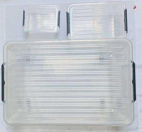 Plastikowe pojemniki kosze