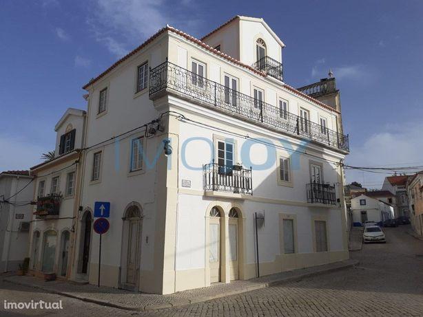 Moradia Histórica Reabilitada No Centro De Santiago Do Cacém