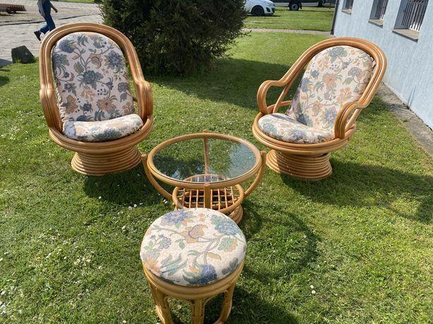 Zestaw rattanowy bujane Fotele i stolik puf