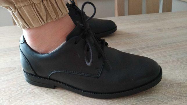 Pantofle chłopięce 33 skórzane wkładka 21,5cm komunijne