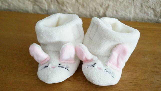 Beżowe zimowe buciki niechodki - króliczki - r. 18