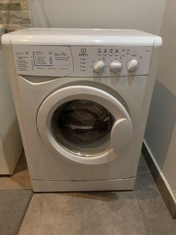 Sprzedam w pełni sprawną pralkę Indesit WISL105