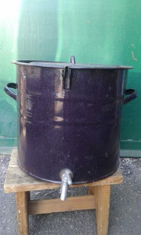 бак  эмалированный для воды с краном